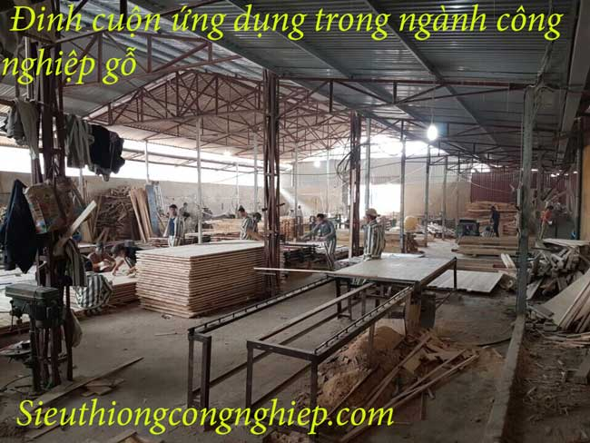 đinh cuôn công nghiệp sản xuất trong ngành công nghiệp gỗ